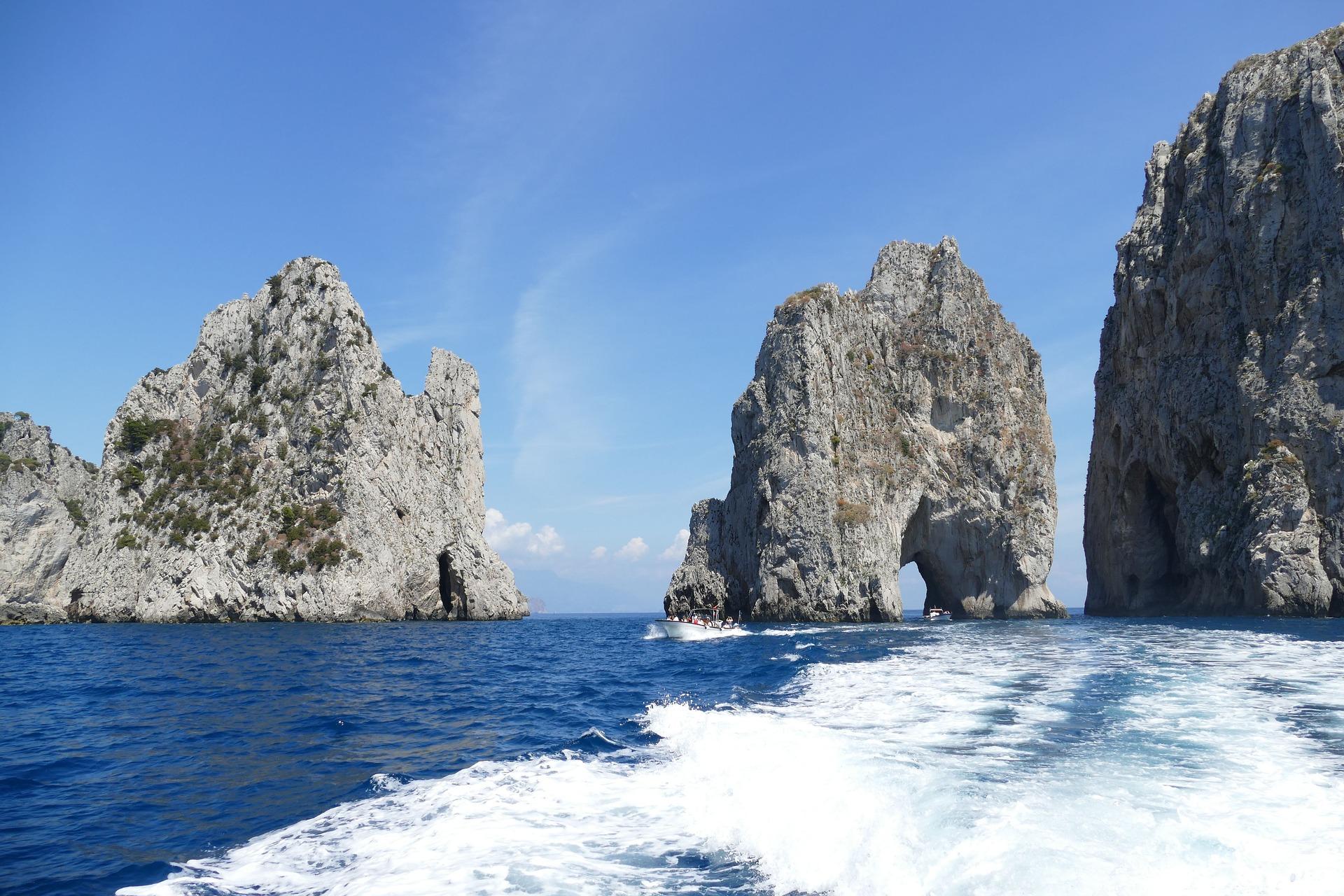 capri-island-boat-tour-capri-tour